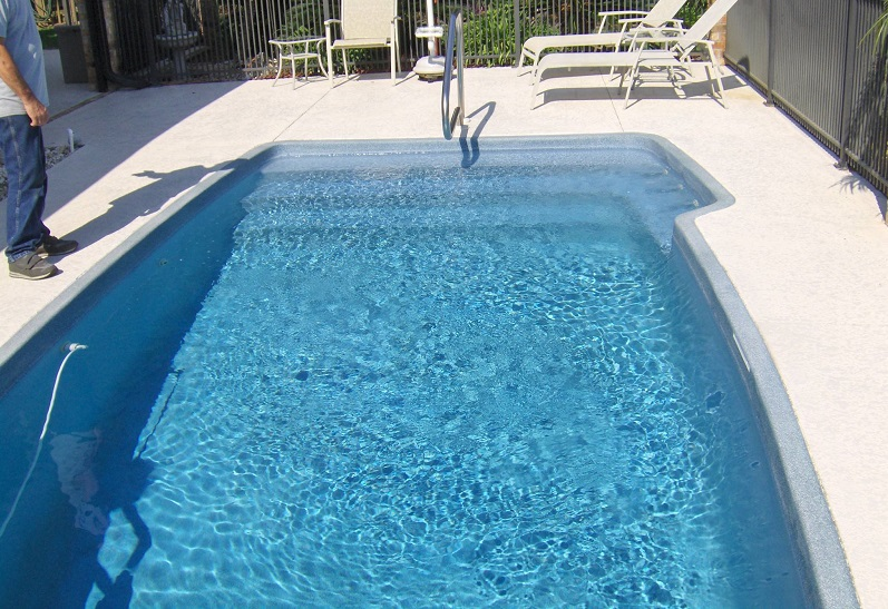 Home fiberglass swimming pool tiling look at the incredible difference this tile made ppazfo